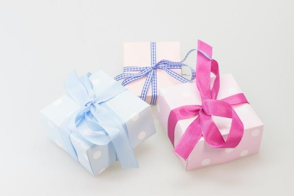 3 prezenty na Dzień Kobiet, które skradną serce każdej kobiety!